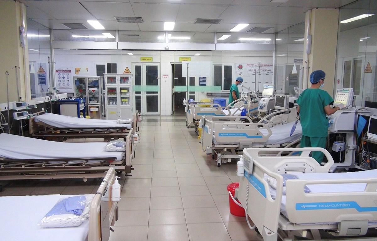 Cơ sở vật chất, trang thiết bị điều trị tại Bệnh viện bệnh lý hô hấp cấp tính số 2 (thành phố Hạ Long). (Ảnh: TTXVN phát)