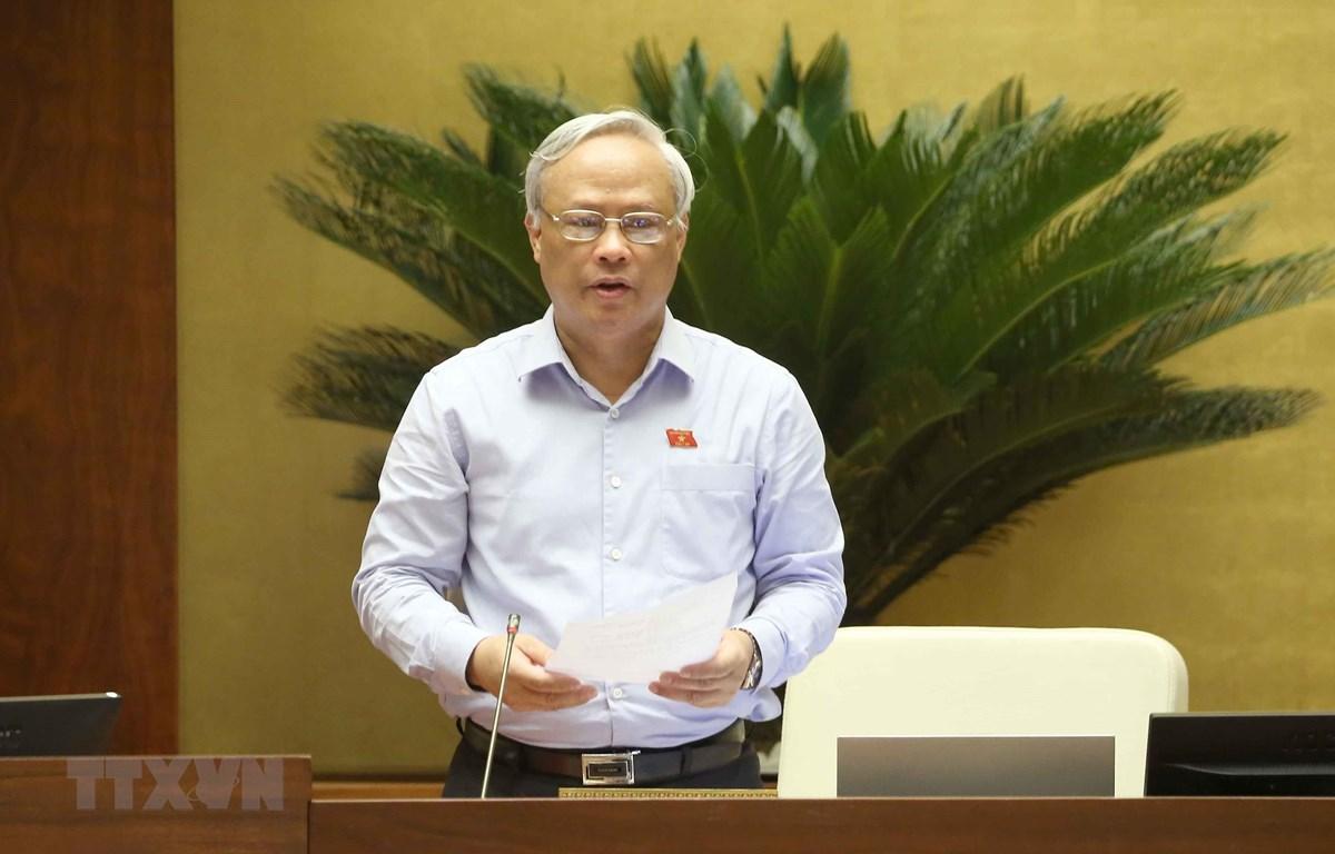 Phó Chủ tịch Quốc hội Uông Chu Lưu điều hành phiên họp. (Ảnh: Doãn Tấn/TTXVN)
