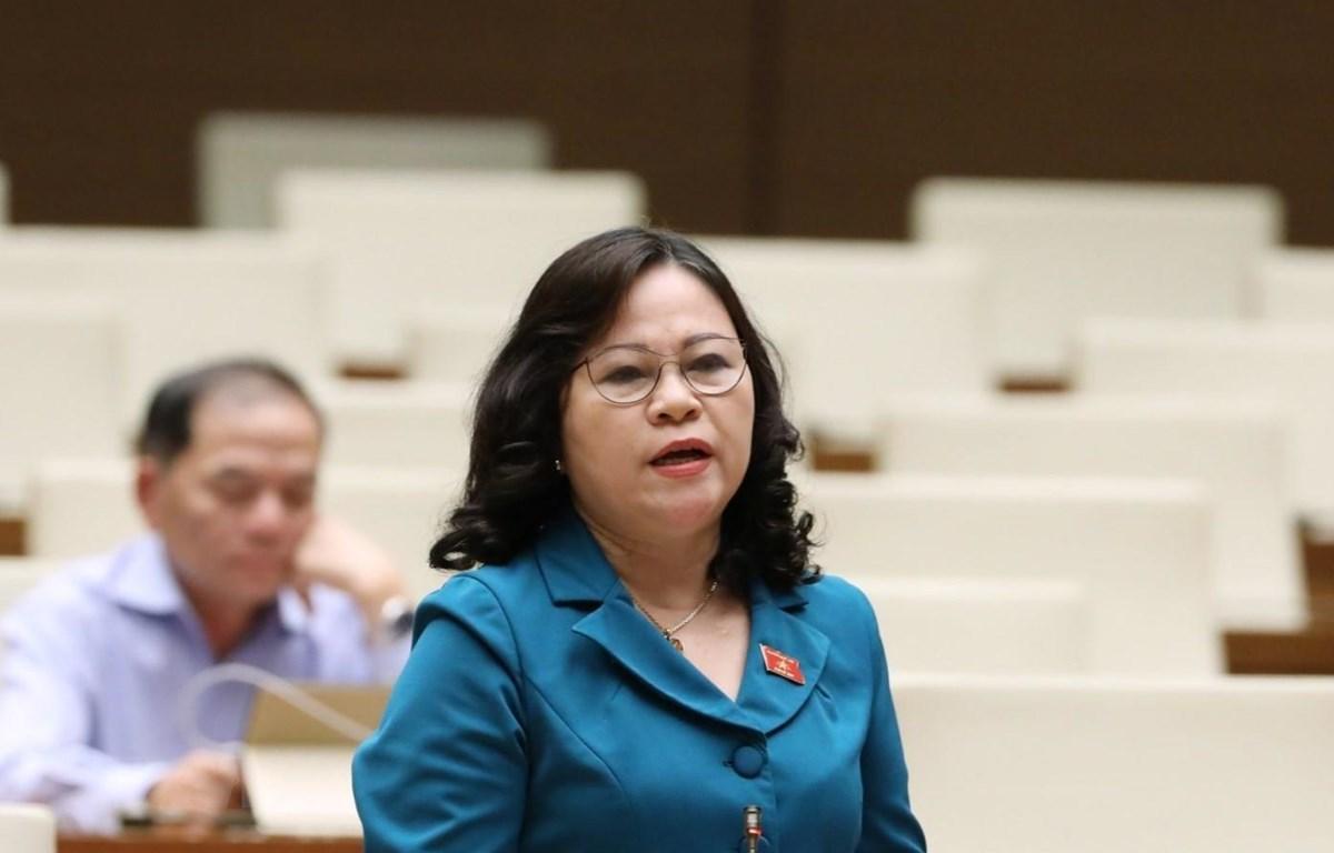 Đại biểu Quốc hội tỉnh Quảng Ninh Ngô Thị Minh phát biểu. (Ảnh: Văn Điệp/TTXVN)