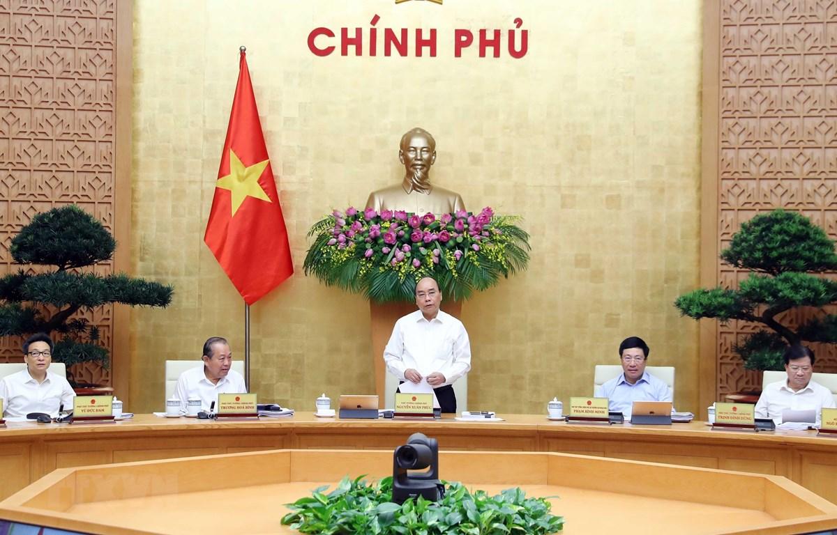 Thủ tướng Nguyễn Xuân Phúc chủ trì phiên họp Chính phủ thường kỳ tháng 5/2020. (Ảnh: Thống Nhất/TTXVN)