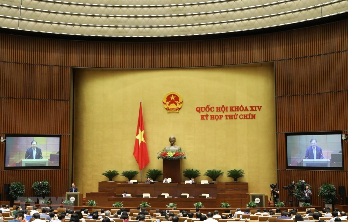 Chủ nhiệm Ủy ban Khoa học, Công nghệ và Môi trường của Quốc hội Phan Xuân Dũng trình bày Báo cáo giải trình, tiếp thu, chỉnh lý dự án Luật sửa đổi, bổ sung một số điều của Luật Xây dựng. (Ảnh: Văn Điệp/TTXVN)