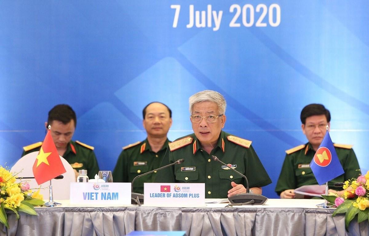 Thượng tướng Nguyễn Chí Vịnh, Thứ trưởng Bộ Quốc phòng, Trưởng ADSOM Việt Nam chủ trì hội nghị. (Ảnh: Dương Giang/TTXVN)