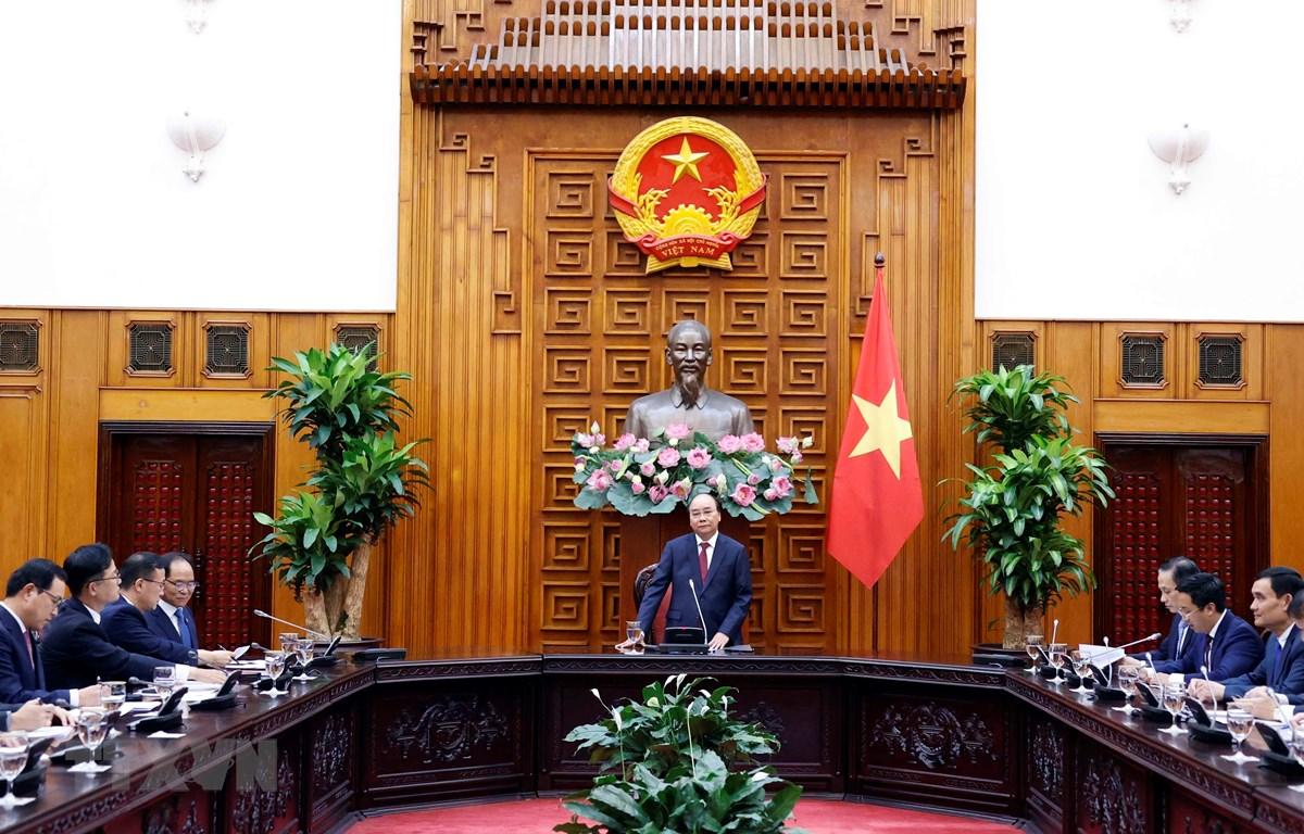 Thủ tướng Nguyễn Xuân Phúc phát biểu tại buổi tiếp đoàn doanh nghiệp Hàn Quốc tại Việt Nam. (Ảnh: Thống Nhất/TTXVN)