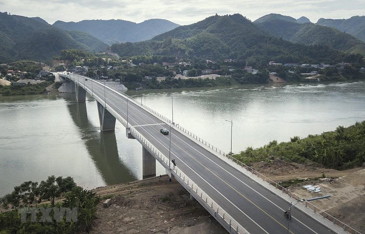 Cầu Hòa Bình 3 được xây dựng bằng nguồn vốn vay ODA đã hoàn thành và đưa vào sử dụng từ tháng 2/2020. (Ảnh: Trọng Đạt/TTXVN)