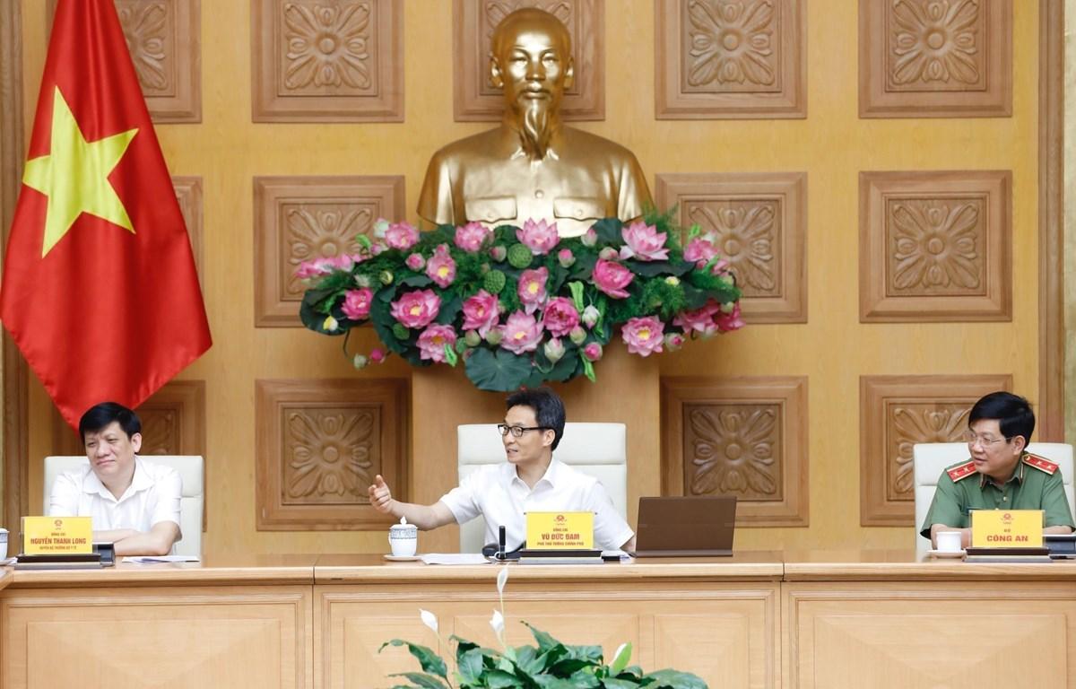 Phó Thủ tướng Vũ Đức Đam phát biểu tại cuộc họp. (Ảnh: Dương Giang/TTXVN)