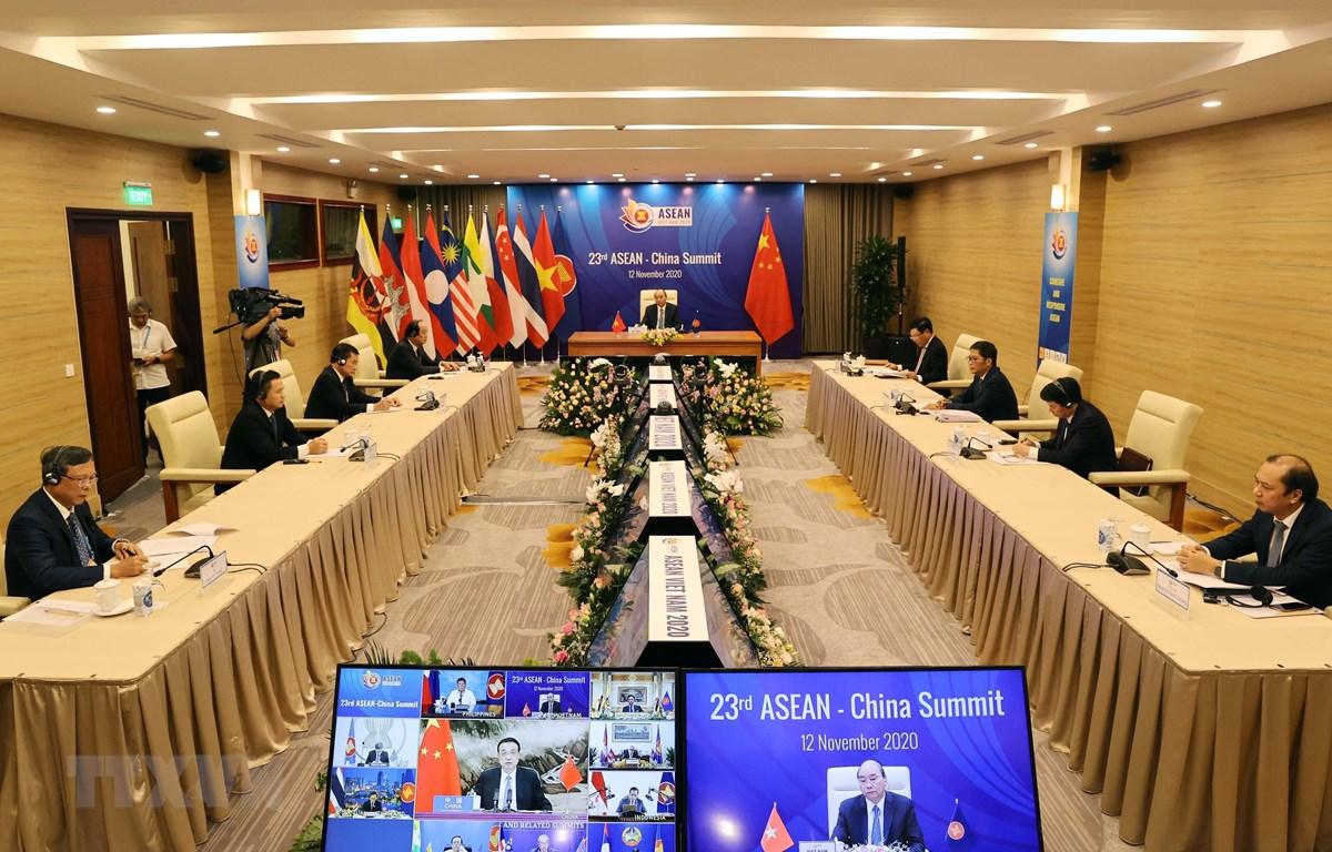 Hội nghị Cấp cao ASEAN-Trung Quốc lần thứ 23 tại điểm cầu Hà Nội. (Ảnh: Thống Nhất/TTXVN)