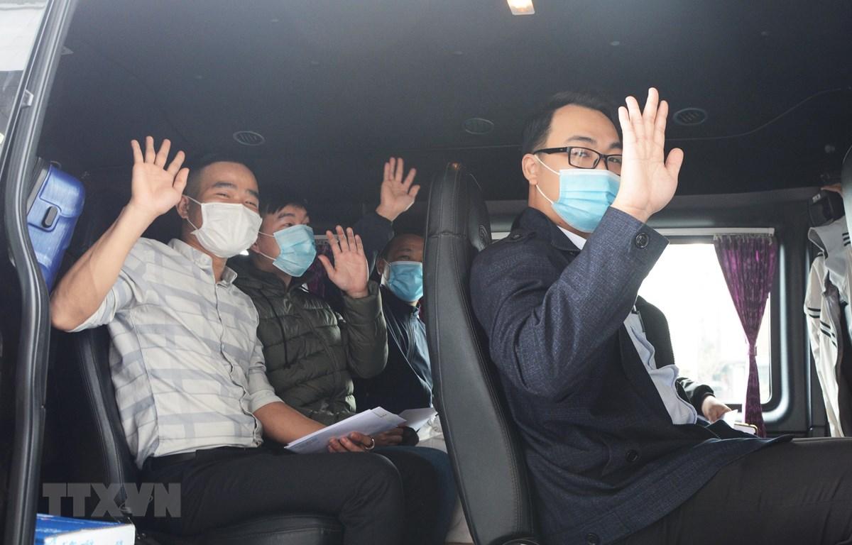 Đoàn y tế của thành phố Đà Nẵng lên đường tiếp viện Gia Lai phòng, chống dịch COVID-19. (Ảnh: Văn Dũng/TTXVN)