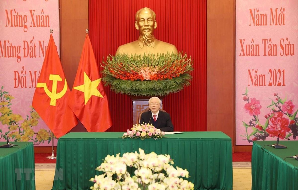 Tổng Bí thư, Chủ tịch nước Nguyễn Phú Trọng điện đàm với Bí thư Thứ nhất Đảng Cộng sản Cuba Raul Castro Ruz. (Ảnh: Trí Dũng/TTXVN)
