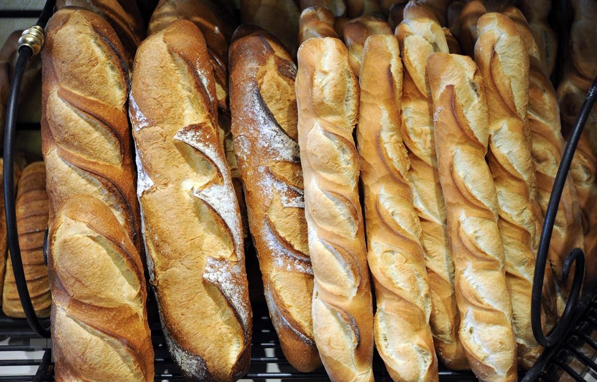 Bánh mỳ baguette tại Paris, Pháp. Ảnh: AFP/TTXVN)