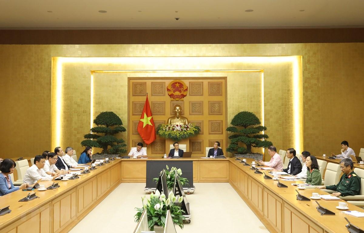 Phó Thủ tướng Vũ Ðức Ðam chủ trì cuộc họp. (Ảnh: Văn Điệp/TTXVN)
