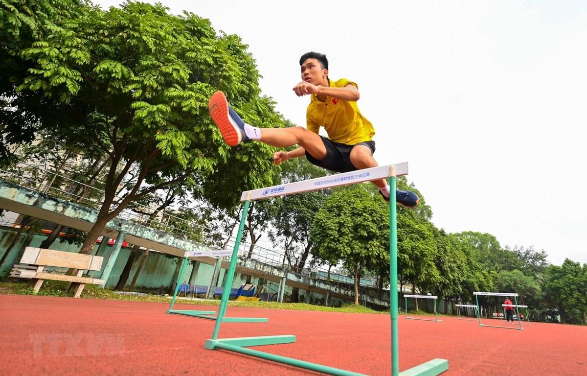 Đội tuyển điền kinh quốc gia tập luyện chuẩn bị cho các giải đấu lớn trong năm nay. (Ảnh: Thành Đạt/TTXVN)