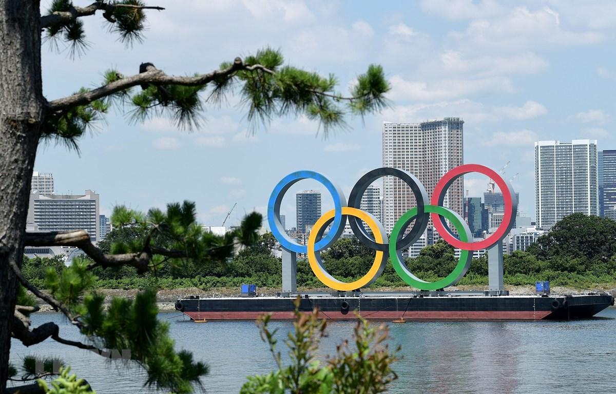 Vòng tròn Olympic tại Tokyo, Nhật Bản, ngày 22/7/2021. Ảnh: THX/TTXVN