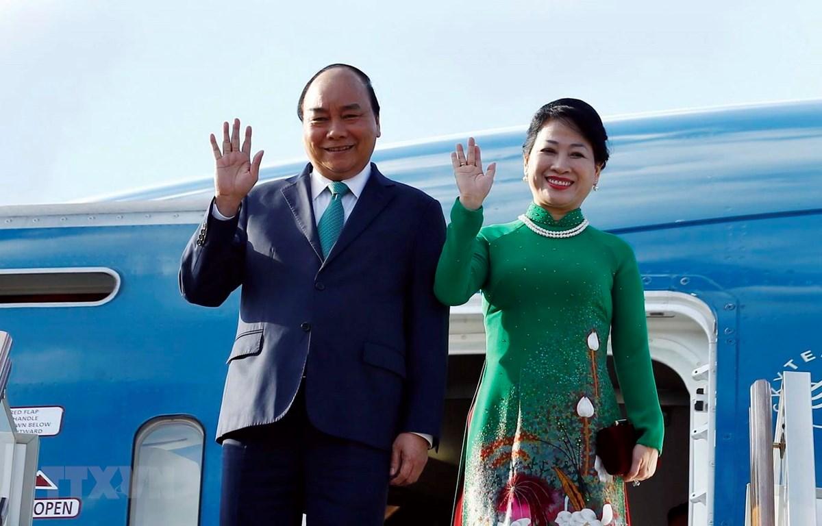 Thủ tướng Nguyễn Xuân Phúc và Phu nhân đến Moskva. (Ảnh: Thống Nhất/TTXVN)