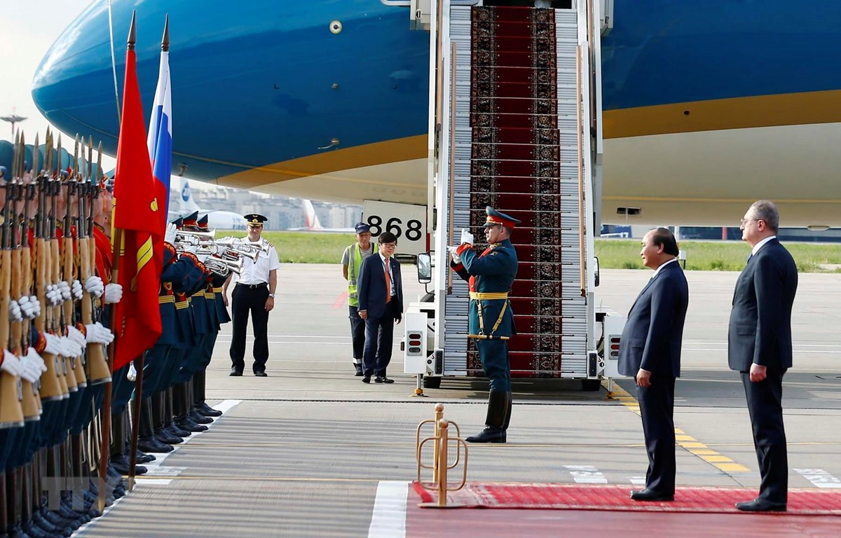 Lễ đón chính thức được tổ chức trọng thể tại sân bay Vnukovo 2. (Ảnh: Thống Nhất/TTXVN)