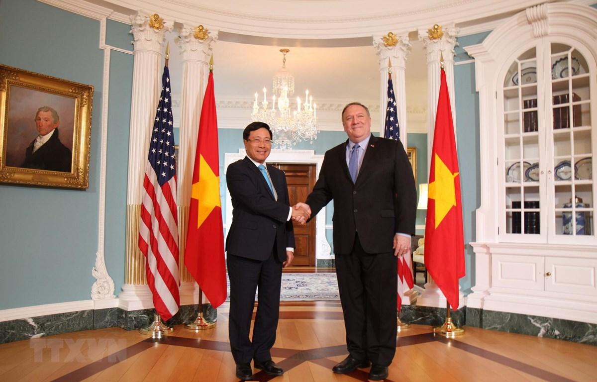Bộ trưởng Ngoại giao Mike Pompeo tiếp và hội đàm Phó Thủ tướng, Bộ trưởng Ngoại giao Phạm Bình Minh tại trụ sở Bộ Ngoại giao Hoa Kỳ ở Thủ đô Washington D.C, ngày 22/5. (Ảnh: Đặng Huyền/TTXVN)
