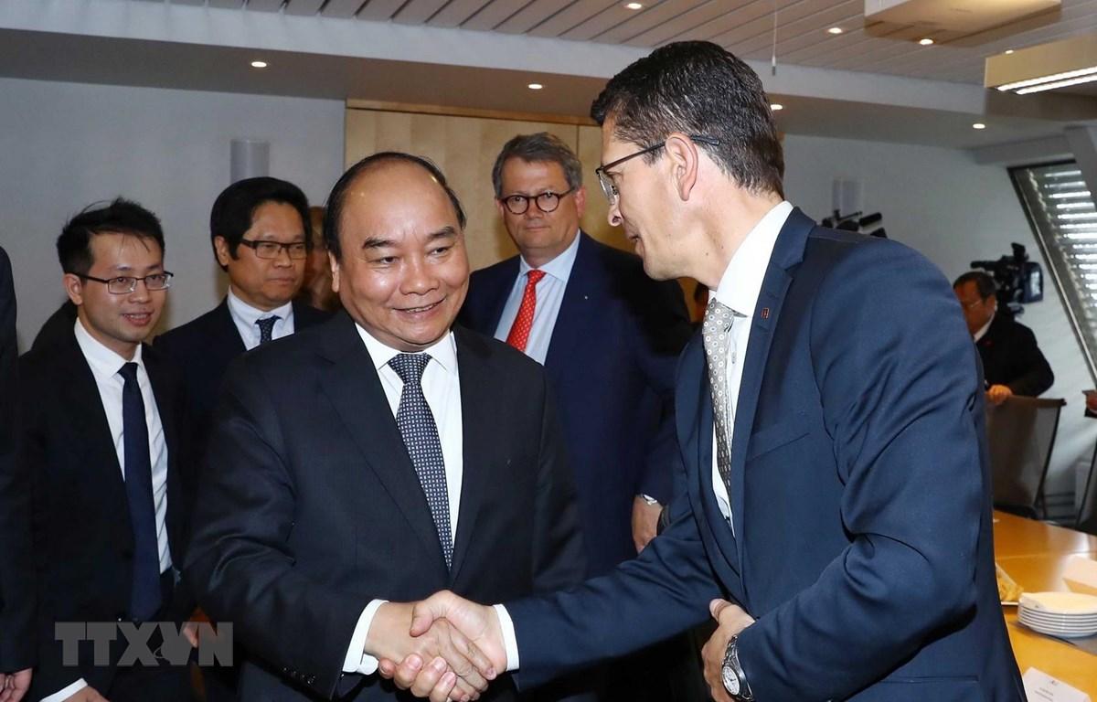 Thủ tướng Nguyễn Xuân Phúc tiếp lãnh đạo một số công ty hàng đầu của Na Uy. (Ảnh: Thống Nhất/TTXVN)