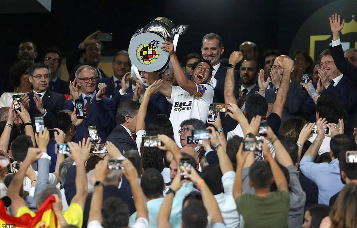 Valencia lần thứ 8 giành chức vô địch Cúp Nhà Vua Tây Ban Nha.
