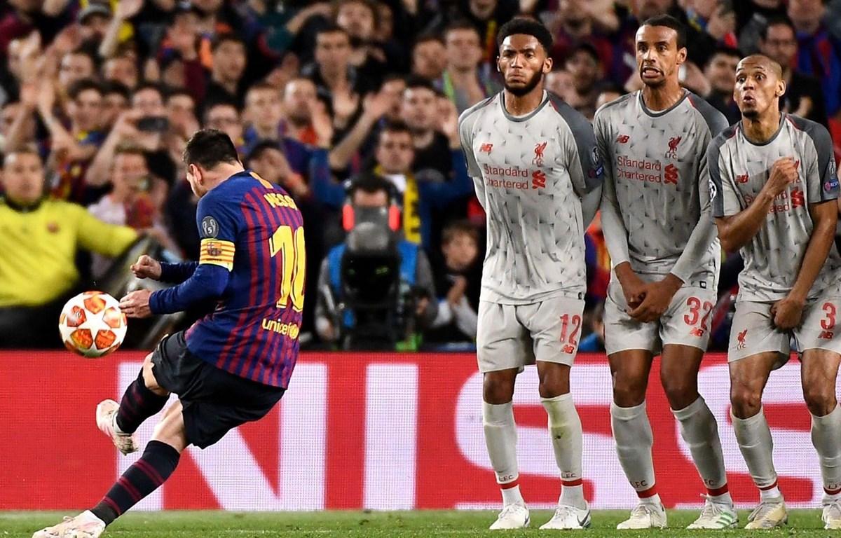 Siêu phẩm vào lưới Liverpool giúp Messi giành giải Bàn thắng đẹp nhất Champions League. (Nguồn: Getty Images)