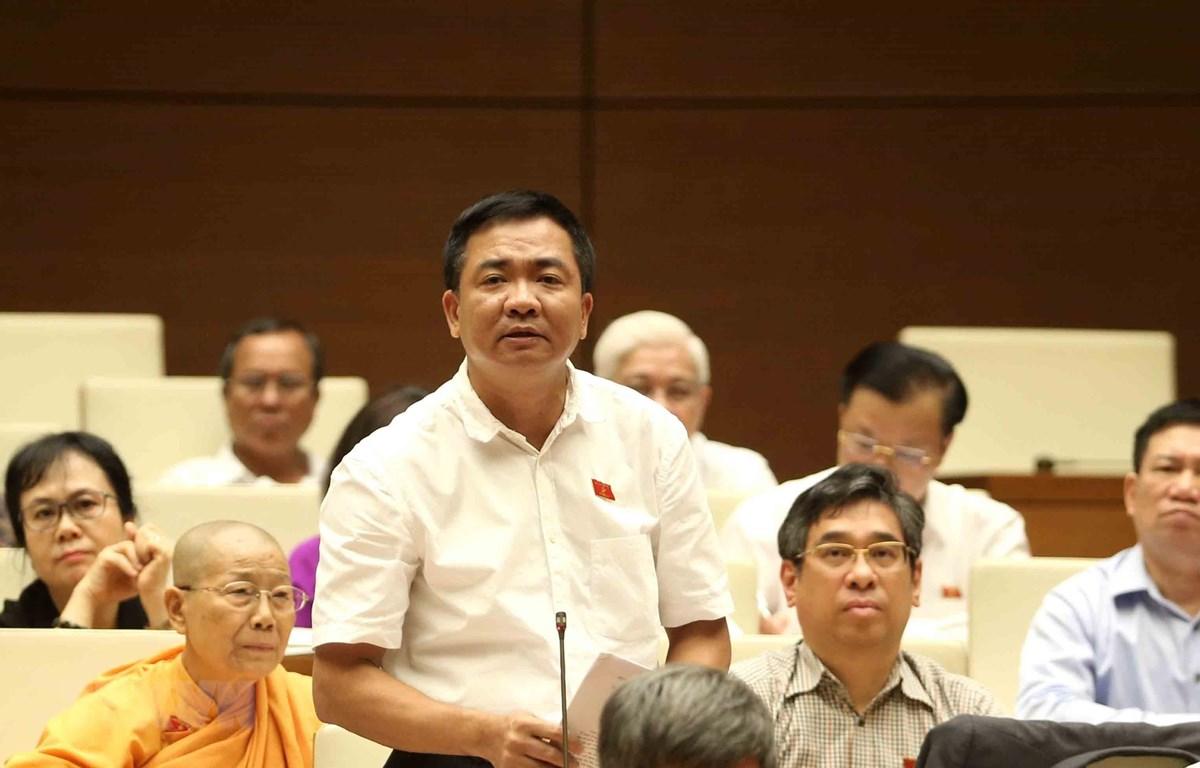 Đại biểu Quốc hội Thành phố Hồ Chí Minh Nguyễn Minh Đức chất vấn. (Ảnh: Phương Hoa/TTXVN)