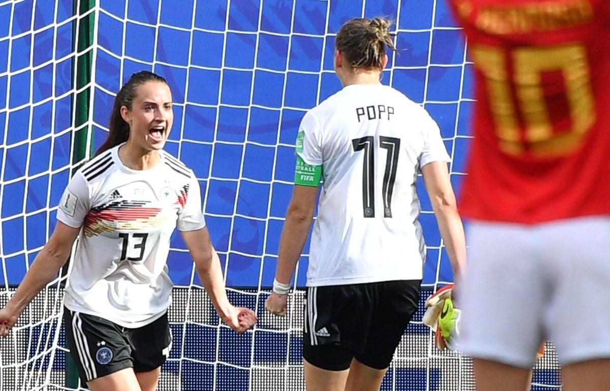 Sara Daebritz (số 13) ghi bàn mang chiến thắng về cho Đức. (Nguồn: Getty Images)