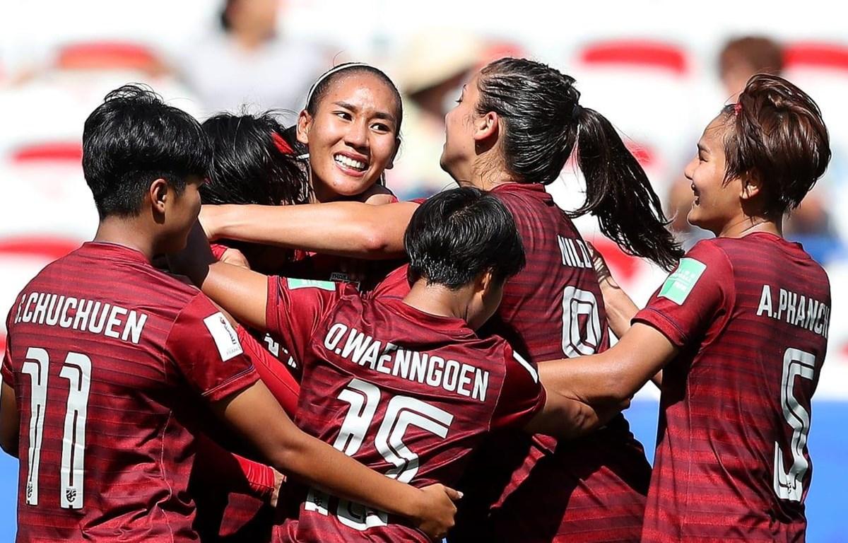 Thái Lan vui mừng sau khi có bàn thắng, nhưng nắm chắc suất bị loại. (Nguồn: Getty Images)