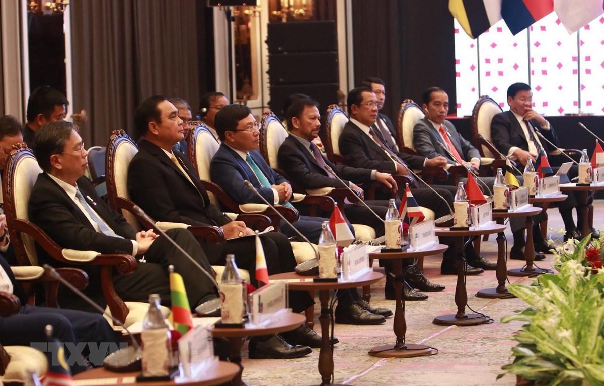 Phó Thủ tướng, Bộ trưởng Ngoại giao Phạm Bình Minh tham dự cuộc gặp. (Ảnh: Hữu Kiên/TTXVN)