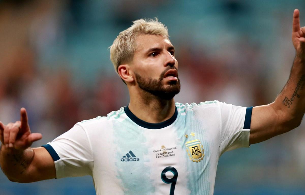Sergio Aguero đưa Argentina vào tứ kết. (Nguồn: Getty Images)
