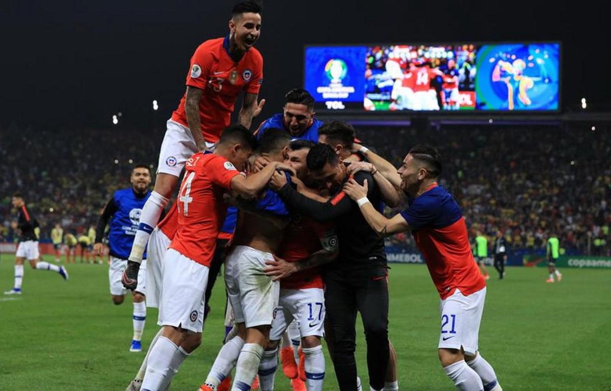 Chile giành vé vào bán kết sau loạt sút luân lưu. (Nguồn: Getty Images)