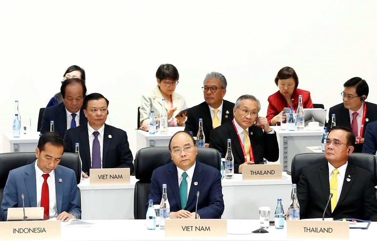 Thủ tướng Nguyễn Xuân Phúc dự Phiên thứ 3 về Phát triển bền vững. (Ảnh: Thống Nhất/TTXVN)