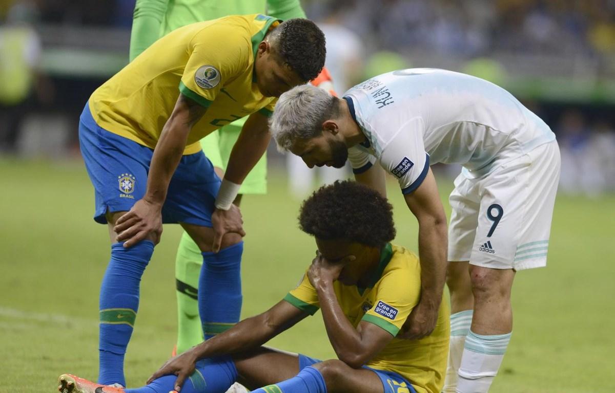 Willian không thể đá chung kết vì chấn thương. (Nguồn: AP)