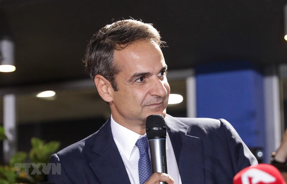 Thủ tướng đắc cử Kyriakos Mitsotakis phát biểu tại Athens, Hy Lạp. (Ảnh: THX/TTXVN)