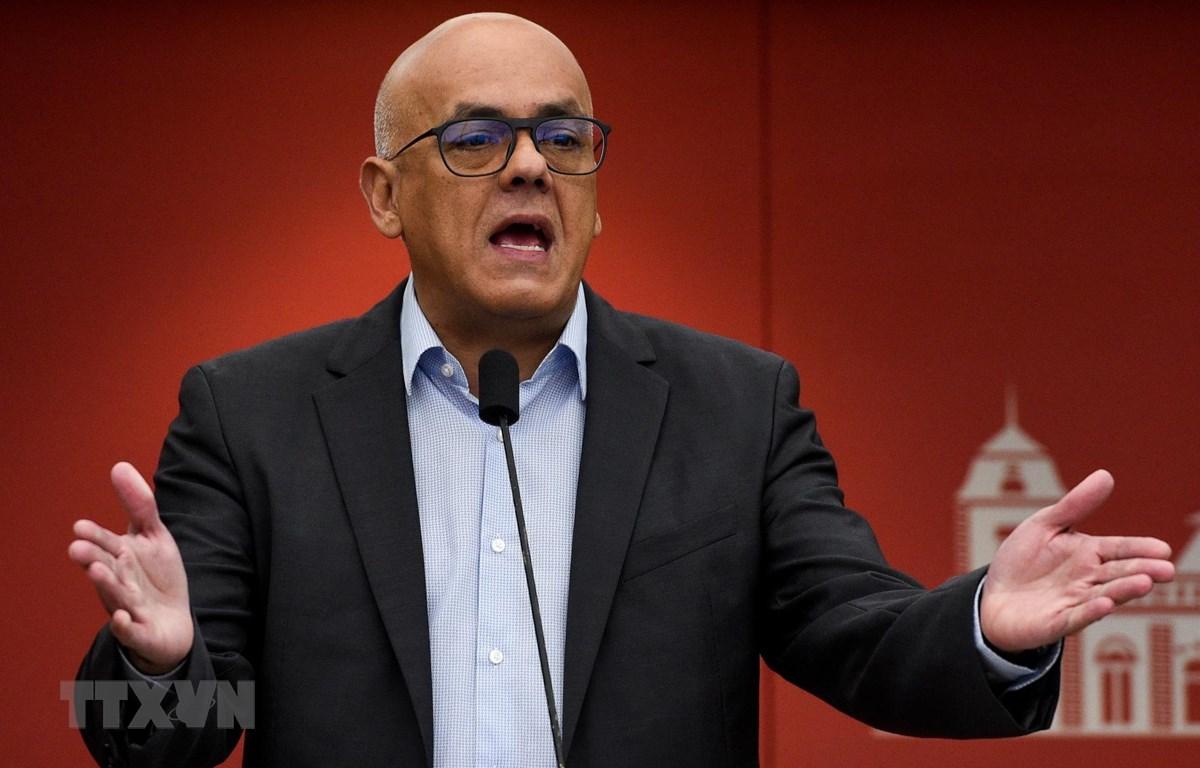 Bộ trưởng Truyền thông Venezuela Jorge Rodriguez. (Ảnh: AFP/ TTXVN)