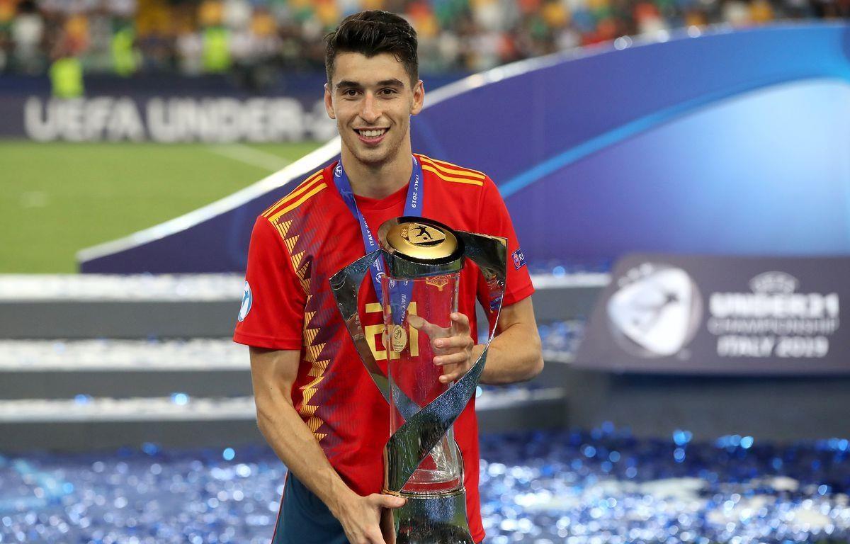 Bayern Munich đạt thỏa thuận chiêu mộ Marc Roca. (Nguồn: Getty Images)