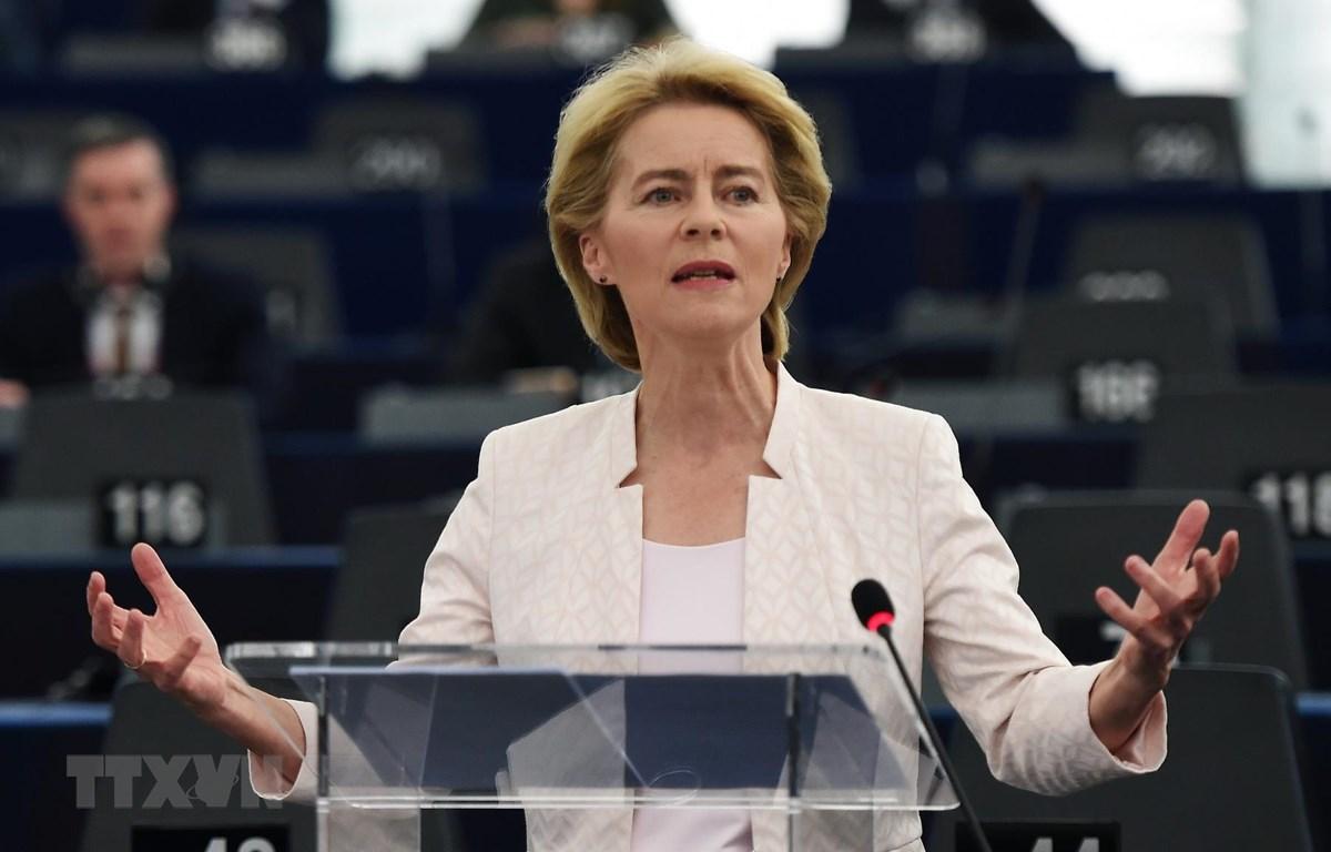 Bà Ursula von der Leyen trúng cử Chủ tịch EC. (Ảnh: AFP/TTXVN)