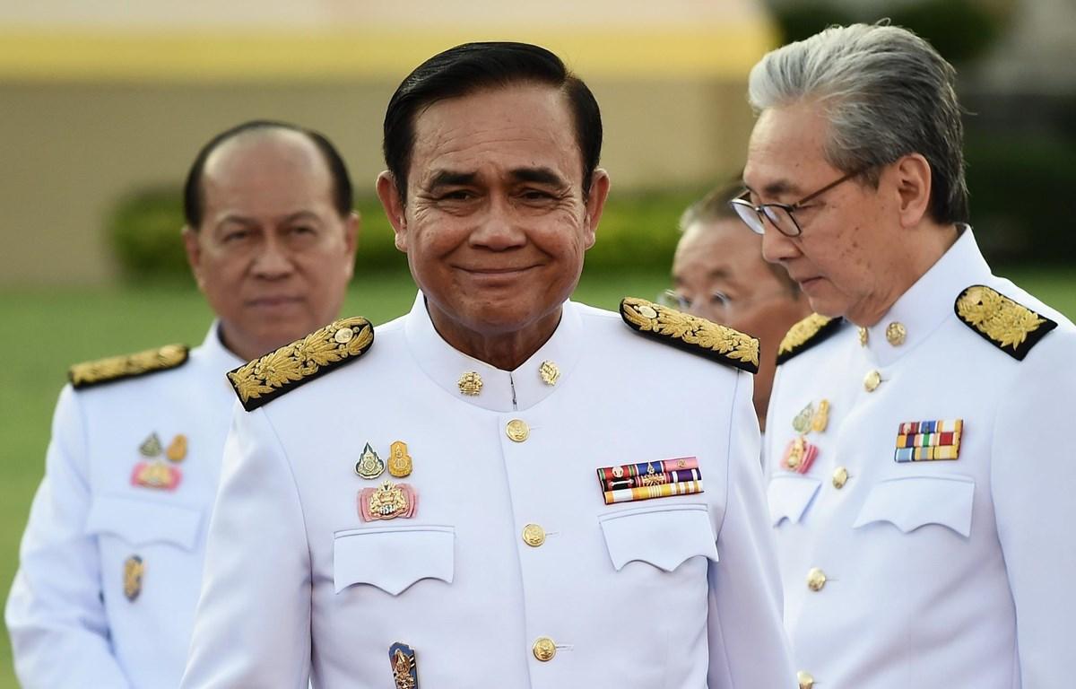 Thủ tướng Thái Lan Prayut Chan-O-Cha (giữa) sau lễ tuyên thệ nhậm chức của các thành viên nội các mới tại Bangkok ngày 16/7/2019. (Ảnh: AFP/TTXVN)