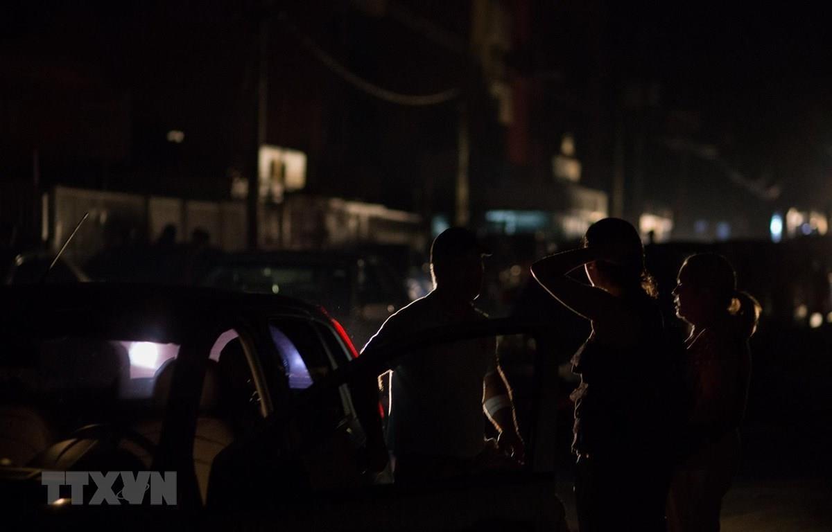 Cảnh mất điện tại thủ đô Caracas, Venezuela, 30/3/2019. (Ảnh: AFP/TTXVN)