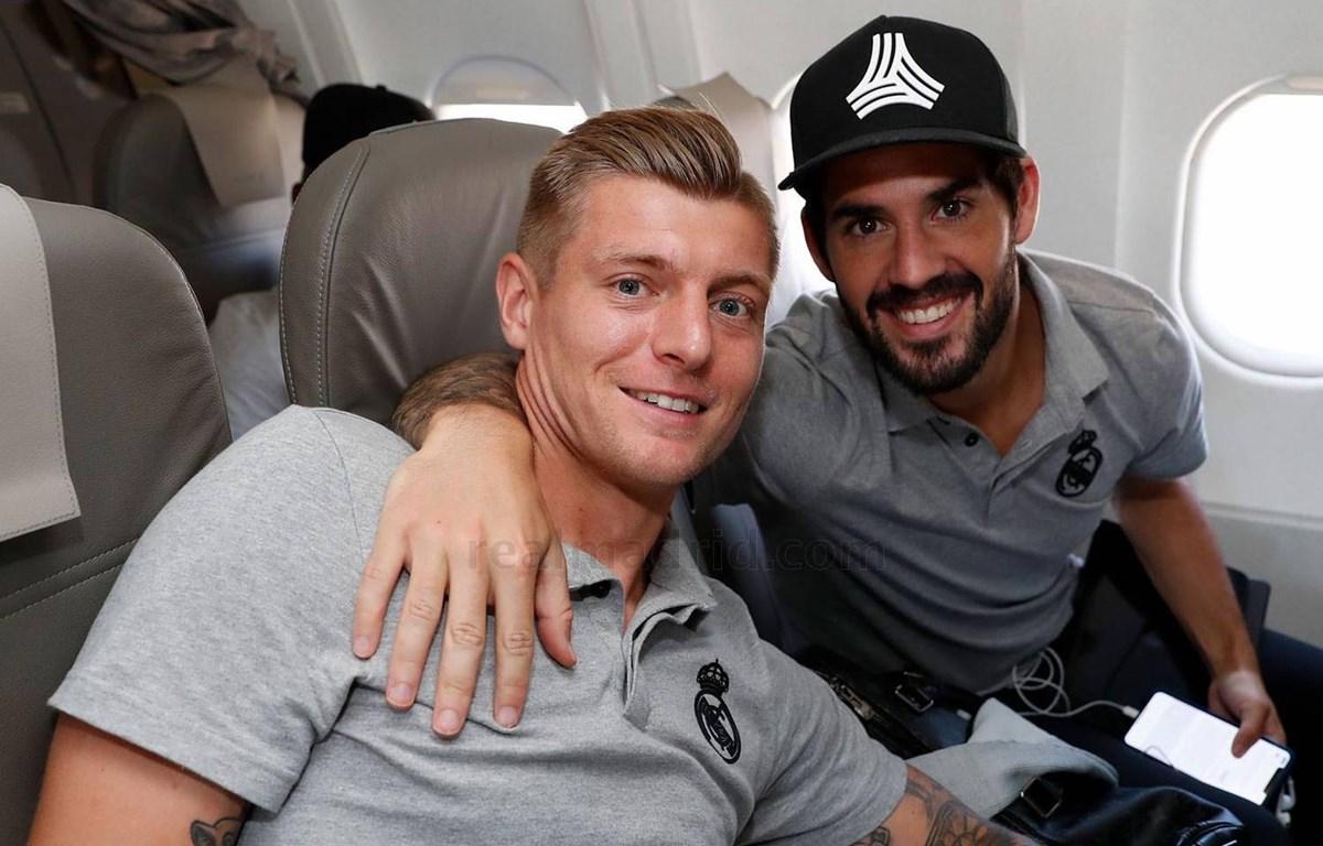 Kroos (trái) lại có dịp trở về 'mái nhà xưa' Allianz Arena. (Nguồn: Real Madrid)