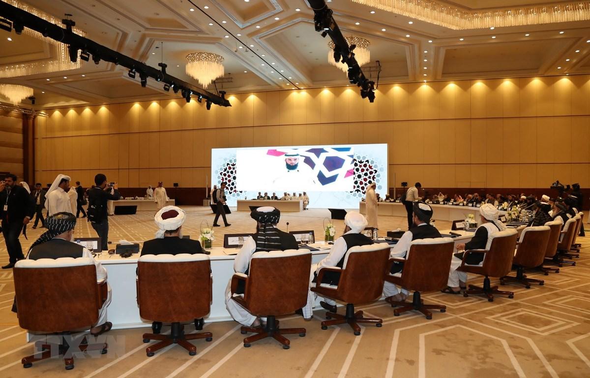 Toàn cảnh vòng đàm phán hòa bình Afghanistan ở Doha, Qatar, diễn ra hôm 7/7. (Ảnh: AFP/TTXVN)
