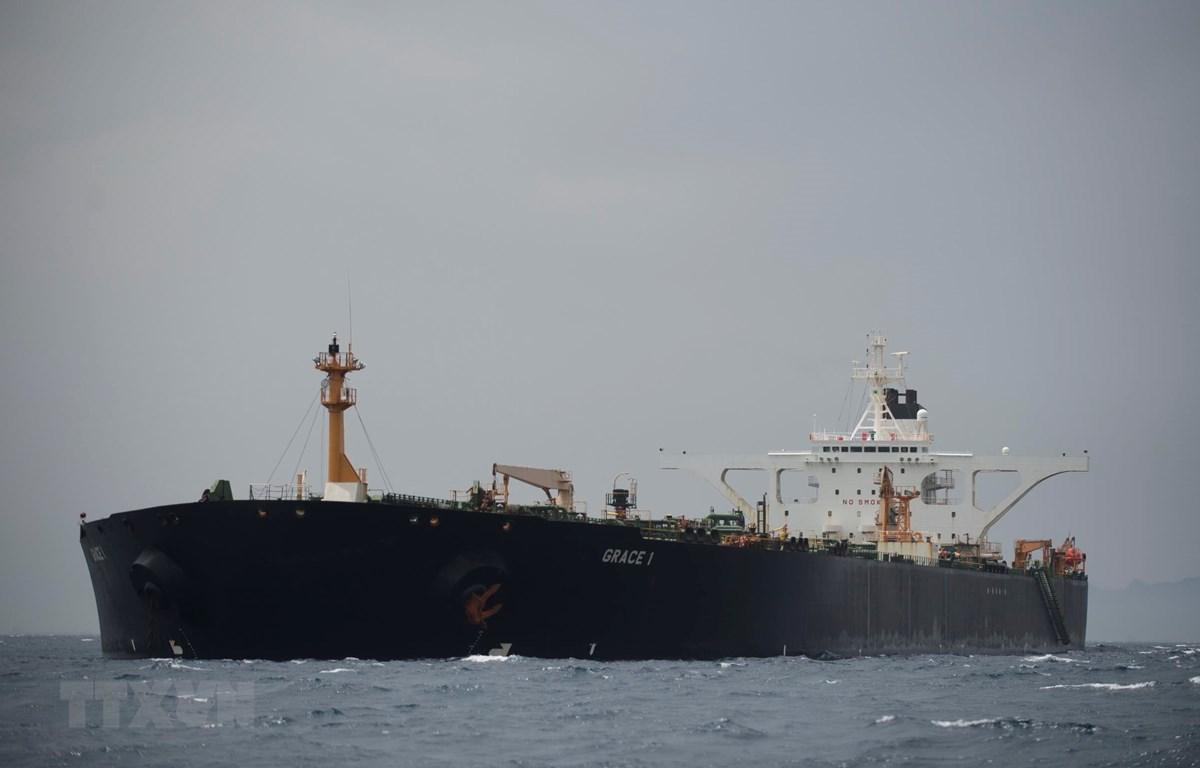 Tàu chở dầu Grace 1 của Iran trên vùng biển ngoài khơi Gibraltar ngày 6/7. (Ảnh: AFP/TTXVN)