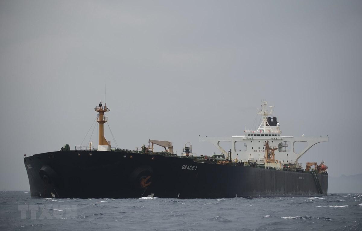Tàu chở dầu Grace 1 của Iran ở ngoài khơi vùng lãnh thổ Gibraltar thuộc Anh ngày 6/7/2019. (Ảnh: AFP/TTXVN)