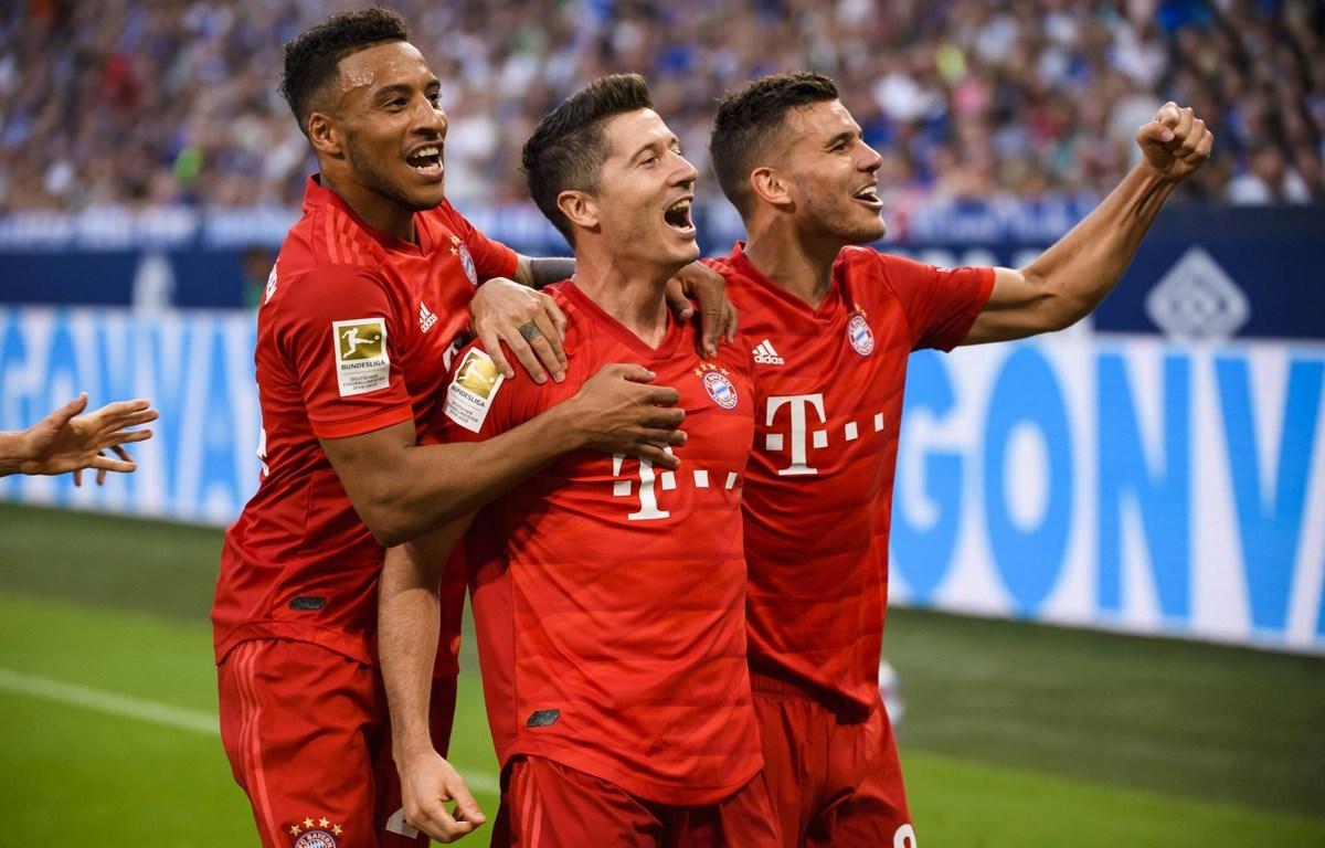 Lewandowski (giữa) lập hat-trick cho Bayern Munich. (Nguồn: Getty Images)