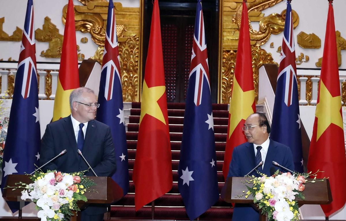 Thủ tướng Nguyễn Xuân Phúc và Thủ tướng Australia Scott Morrison họp báo quốc tế. (Ảnh: Thống Nhất/TTXVN)