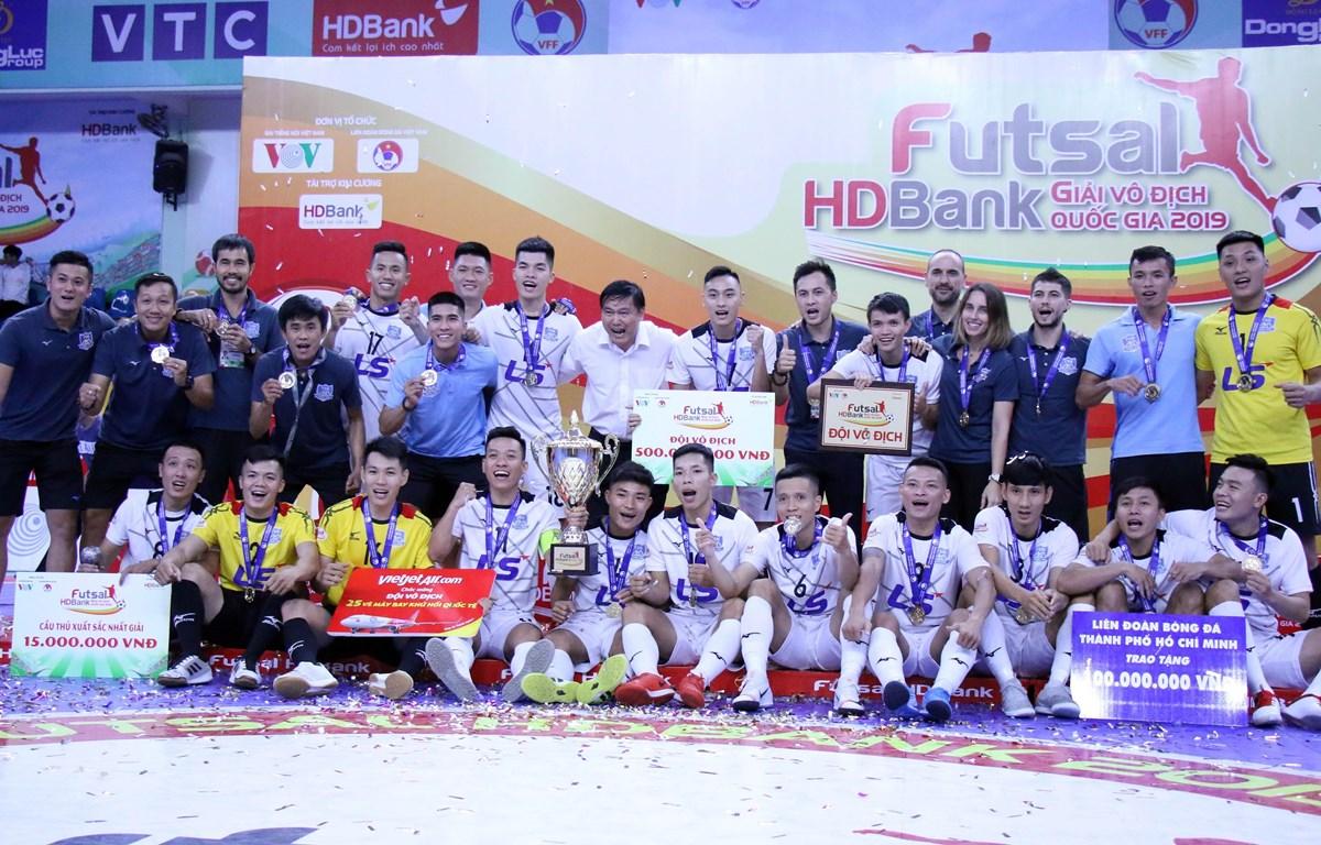 Câu lạc bộ Thái Sơn Nam lần thứ 4 liên tiếp vô địch giải đấu. (Ảnh: Tiến Lực/TTXVN)