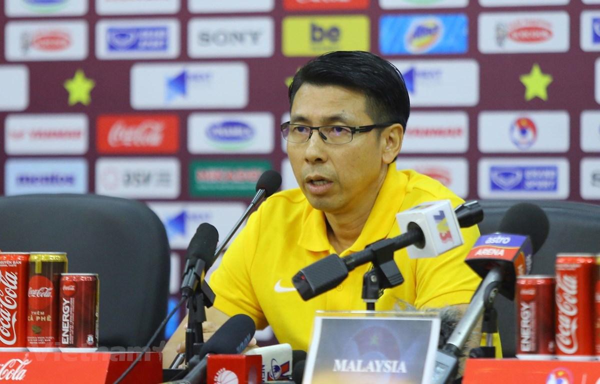 HLV Tan Cheng Hoe của Malaysia tại buổi họp báo trước trận đấu. (Ảnh: Nguyên An/Vietnam+)