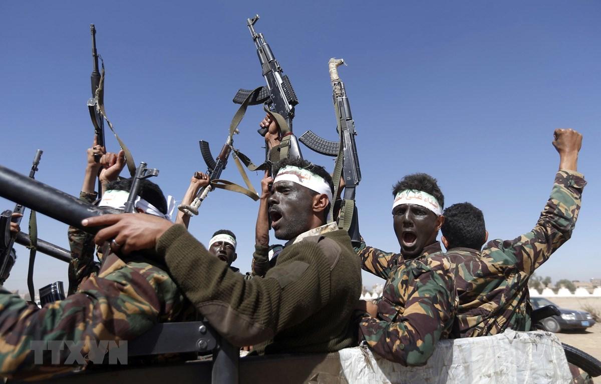 Các tay súng Houthi tại thủ đô Sanaa, Yemen. (Ảnh: AFP/TTXVN)