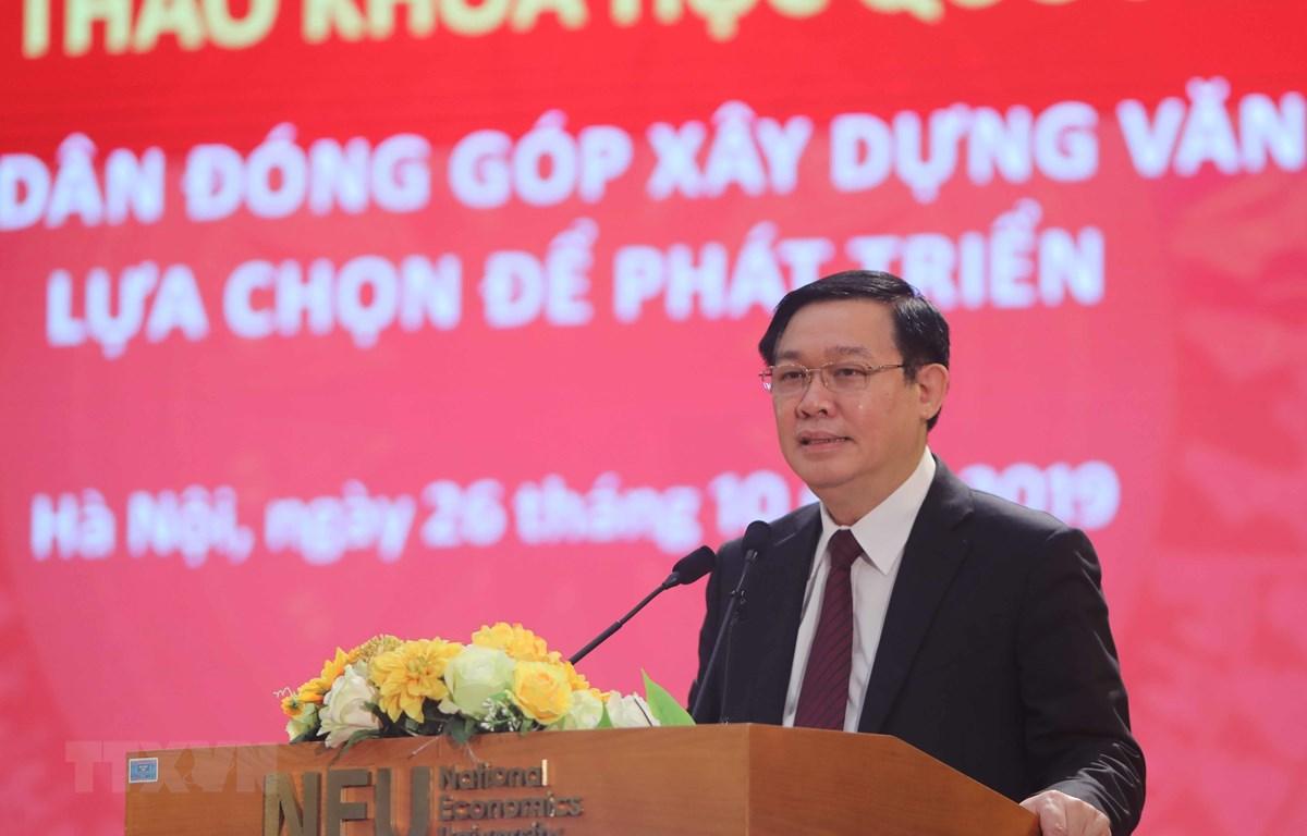 Phó Thủ tướng Vương Đình Huệ phát biểu tại hội thảo. (Ảnh: Thanh Tùng/TTXVN)
