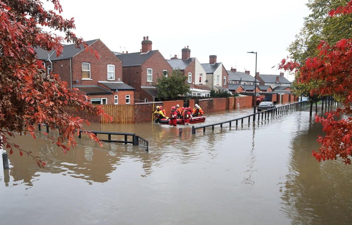 Lũ lụt trên diện rộng tại miền Bắc nước Anh. (Nguồn: theguardian)