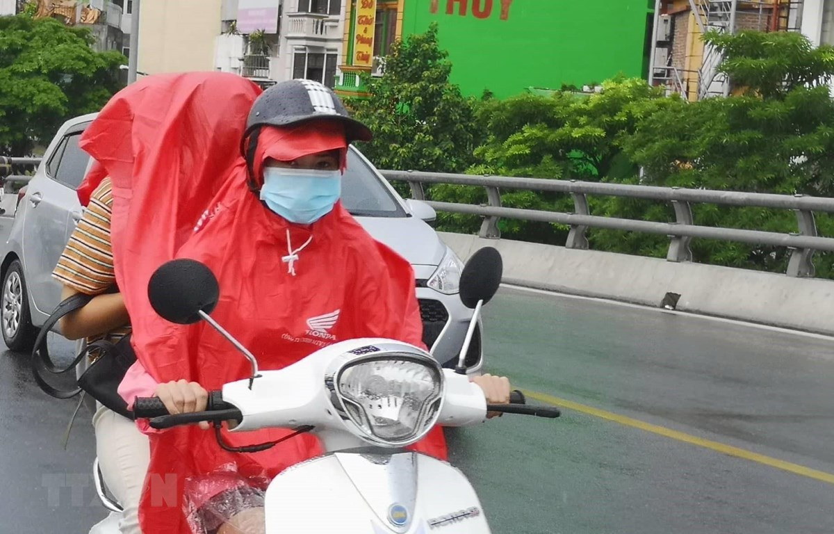 Thủ đô Hà Nội, có mưa, mưa rào và có nơi có dông. (Ảnh: Thanh Tùng/TTXVN)