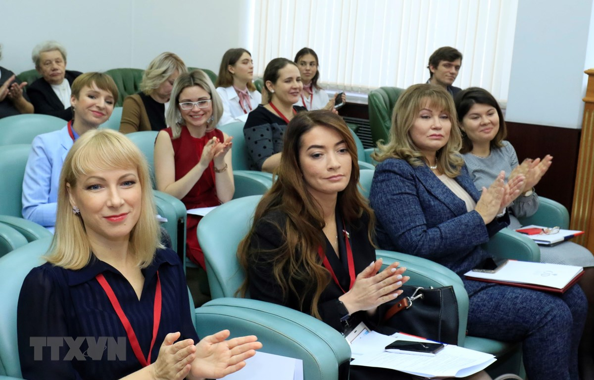 Các đại biểu phụ nữ Nga tham dự Đại hội. (Ảnh: Trần Hiếu/TTXVN)