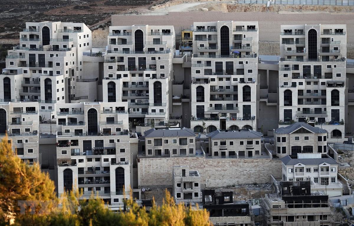 Công trình xây dựng tại Khu định cư Do Thái Givat Zeev, gần thành phố Ramallah, Khu Bờ Tây ngày 25/9. (Ảnh: AFP/TTXVN)